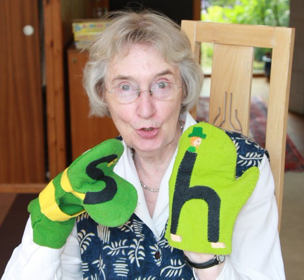 Lyn Wendon: Appalling Facts about our Traditional English Alphabet Names